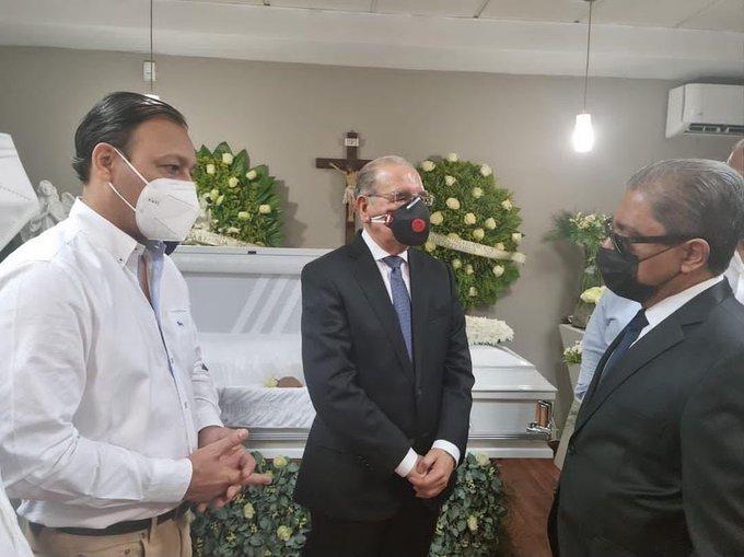 VIDEO|Danilo Medina acude a dar pésame a Marino Collante por muerte de su madre