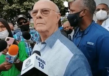 Hipólito Mejía asegura policías fuera de servicio no pueden andar desarmados