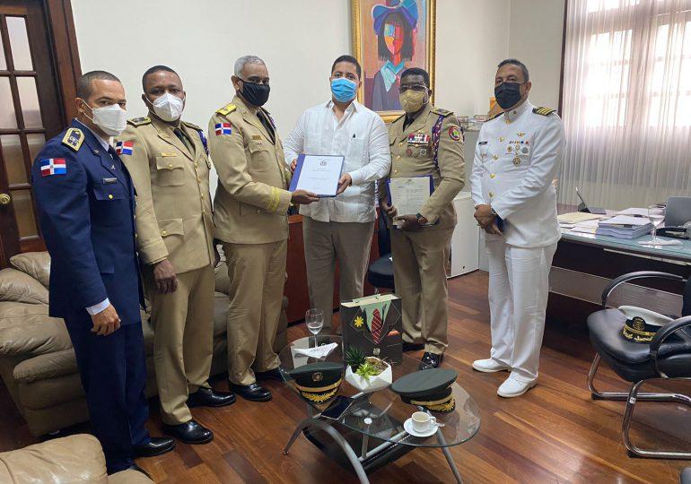 Entregan al Poder Ejecutivo anteproyecto del Código de Justicia Militar de las Fuerzas Armadas