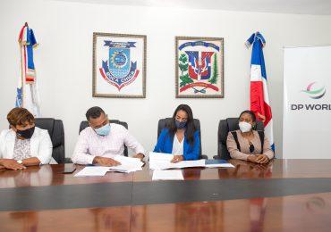 DP WORLD firma acuerdo  con alcaldía de Boca Chica para entrega de proyectos de infraestructura