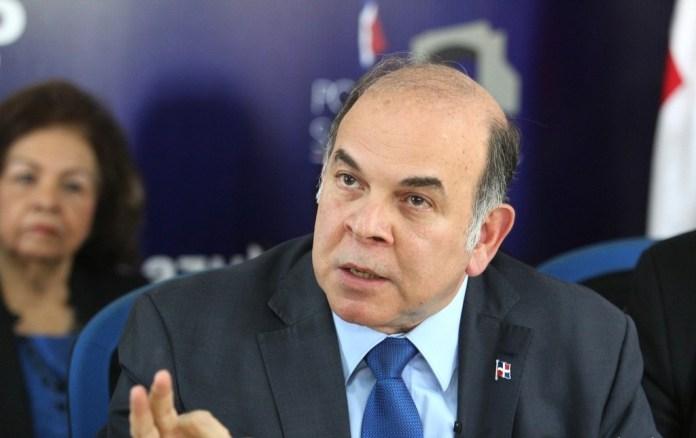 Pelegrín Castillo rechaza resolución del MSP sobre  exigencia de tarjeta de vacunación contra el COVID-19
