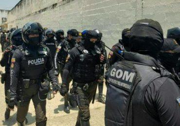 "Ecuador envía a 3.600 militares y policías a ""garantizar seguridad"" en cárceles"