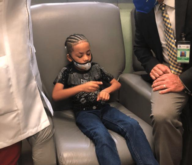 Dr. Alfred Cruz lidera acciones para facilitar tratamientos a niños con hemofilia