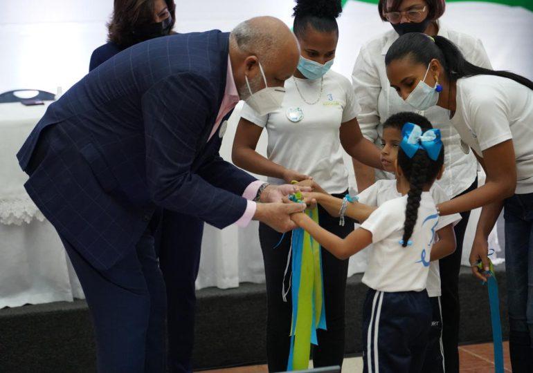 """Educación lanza programa """"Es mi Derecho, Inclúyeme"""" en favor de alumnos con parálisis cerebral"""