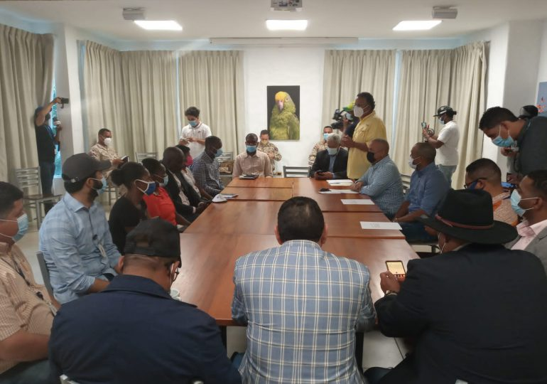 CESFRONT y autoridades de  Dajabón crean comisión para viabilizar actividades de mercado binacional