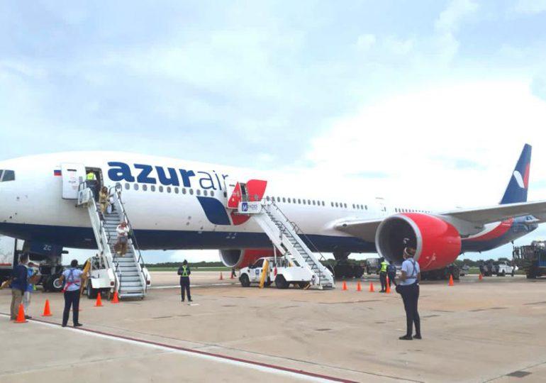 Aterriza en La Romana el primer vuelo directo a RD desde Novosibirsk