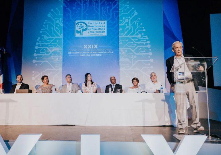 Neurólogos y neurocirujanos inician congreso sobre diagnóstico y tratamientos temprano de enfermedades neurodegenerativas