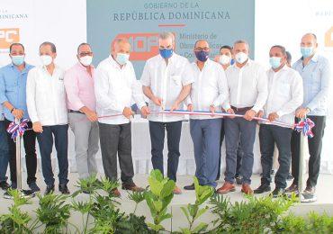 Presidente Abinader inaugura carretera Villa Riva-Arenoso por un monto superior a RD$ 95 millones de pesos