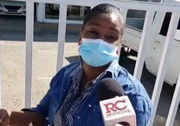 VIDEO  En los bancos impiden entrada a personas sin tarjeta de vacunación