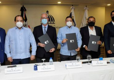 MLB, Miderec y comisionado de béisbol firman acuerdo para construcción de 30 estadios