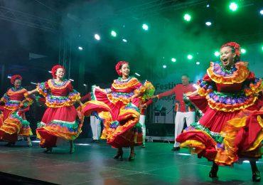Inauguran Festival Folklórico Internacional en Santo Domingo Este