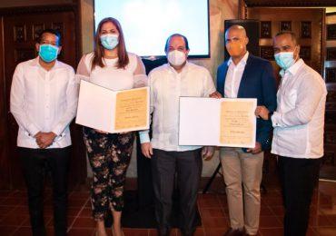 ADN reconoce por su trayectoria a los deportistas Prisilla Rivera y Félix Sánchez