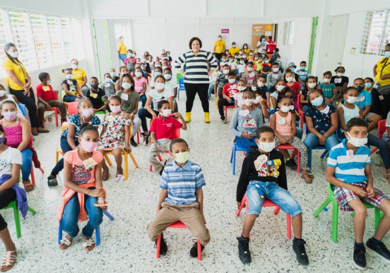 """Banco Caribe ofrece """"Mañana Divertida"""" a niños de Acción Callejera"""