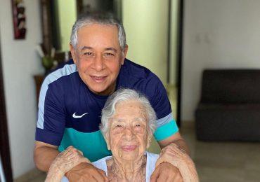 Madre de Roberto Salcedo se contagia del Covid19