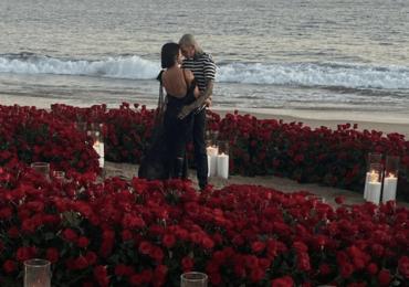 Kourtney Kardashian y Travis Barker se comprometen en matrimonio