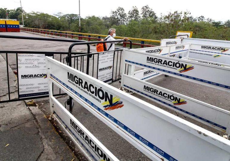Venezuela reabre frontera comercial con Colombia