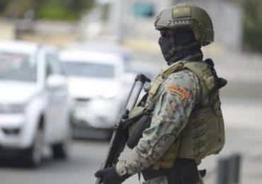 Hallan siete presos muertos en cárcel de Ecuador donde ocurrió masacre