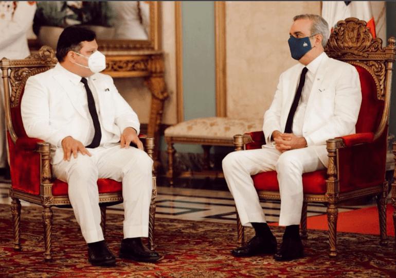 Abinader viajará el miércoles a Panamá para encuentro trilateral