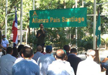 Diputado José Horacio realiza diálogo con residentes de Santiago